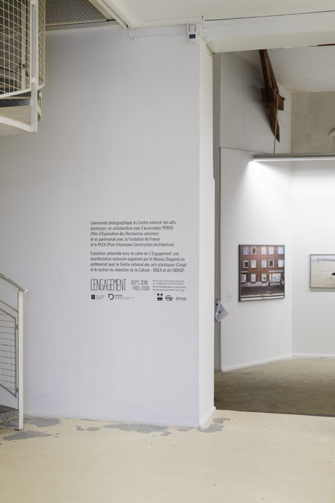 Lotfi Benyelles Vue de l'exposition Réinventer Calais au CPIF, 2019 © Aurélien Mole