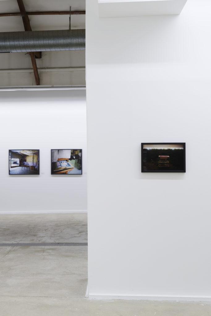 Aimée Thirion, Lotfi Benyelles Vue de l'exposition Réinventer Calais au CPIF, 2019 © Aurélien Mole